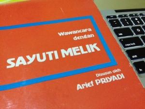 Buku Wawancara dengan Sayuti Melik, diterbitkan oleh Centre for Strategic and International Studies (CSIS) tahun 1986. (Dok. Aksara Institute)